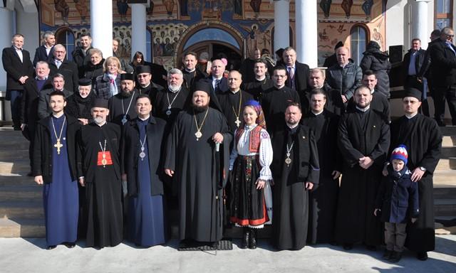 Liturghie Arhierească în Parohia Recea