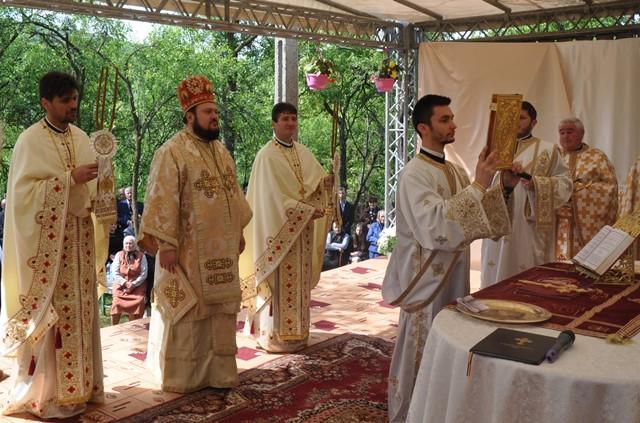 Resfințirea bisericii din Parohia Mălădia
