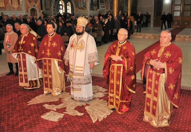 """Zi de sărbătoare la Catedrala Episcopală """"Înălțarea Domnului"""" din Zalău"""