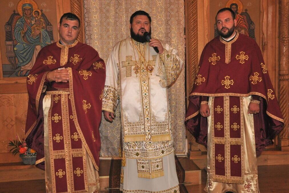 Liturghie Arhierească în Parohia Fildu de Sus