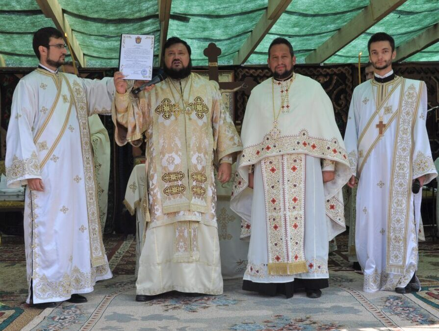 Târnosirea bisericii din localitatea Stoboru