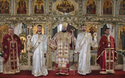 Liturghie Arhierească în Parohia Lozna