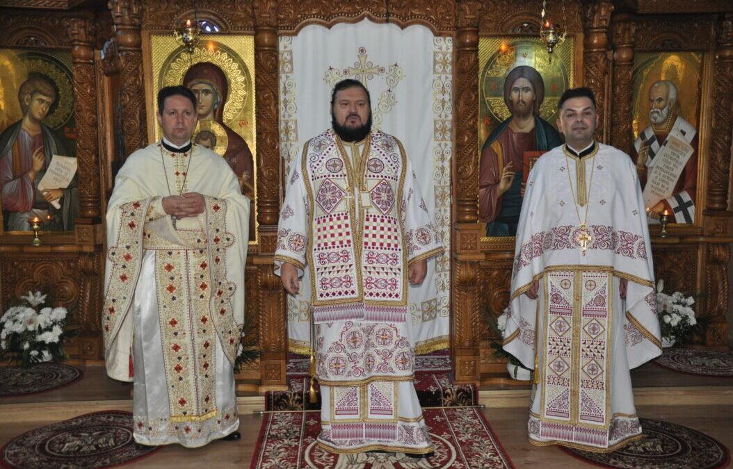 """Zi de sărbătoare la biserica cu hramurile """"Sfântul Apostol Toma"""" și """"Sfântul Ierarh Nicolae"""" din Zalău"""
