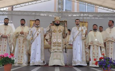 Târnosirea bisericii din Parohia Gârceiu