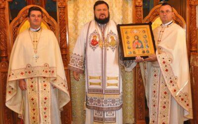 Sfințirea iconostasului bisericii Parohiei Petenia